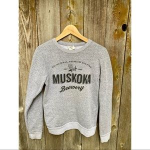 MUSKOKA BREWERY heathered grey crewneck sweater